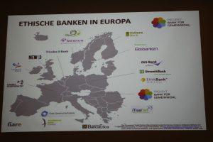 Ethische Banken in Europa: Österreich ist noch ein weißer Fleck - Präsentationsfolie von Veronika Falbesoner. Foto: Spielbichler