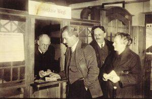 Raiffeisenkasse Wörgl - Freigeld Wechselstelle. Foto: Unterguggenberger Institut Archiv
