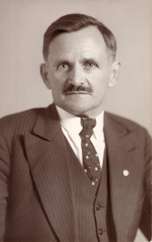Bürgermeister Michael Unterguggenberger. Foto: Unterguggenberger Institut Archiv