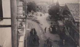 1932 führte die Gemeinde Wörgl mit Freigeld im Rahmen des Nothilfeprogramms zahlreiche Infrastruktur-Bauprojekte wie die Sanierung der heutigen Innsbrucker Straße durch. Foto: Unterguggenberger Institut Archiv
