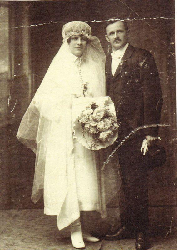1922 heirateten Rosa und Michael Unterguggenberger. Foto: Unterguggenberger Institut Archiv