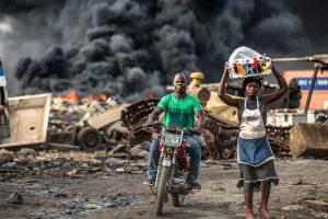 "Was unser Elektroschrott in Afrika anrichtet, zeigt die Doku ""Welcome to Sodom"". Foto: www.welcome-to-sodom.de"