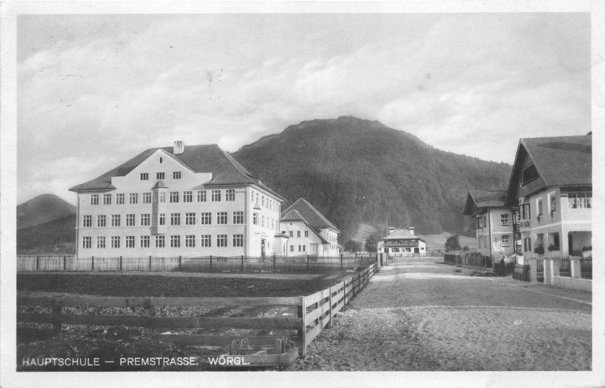 Die fertig gestellte Bürgerschule Wörgl. Foto: Unterguggenberger Institut Archiv
