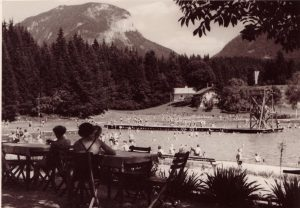 Das Kirchbichler Moorstrandbad - der Bau wurde 1933 mit Wörgler Freigeld ermöglicht. Foto: Unterguggenberger Institut